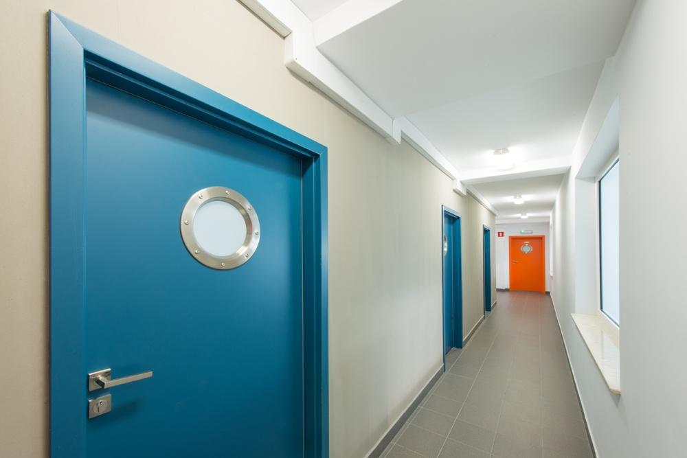 korytarz - hala produkcyjna z częścią biurową, dla Markos, Słupsk, woj. pomorskie