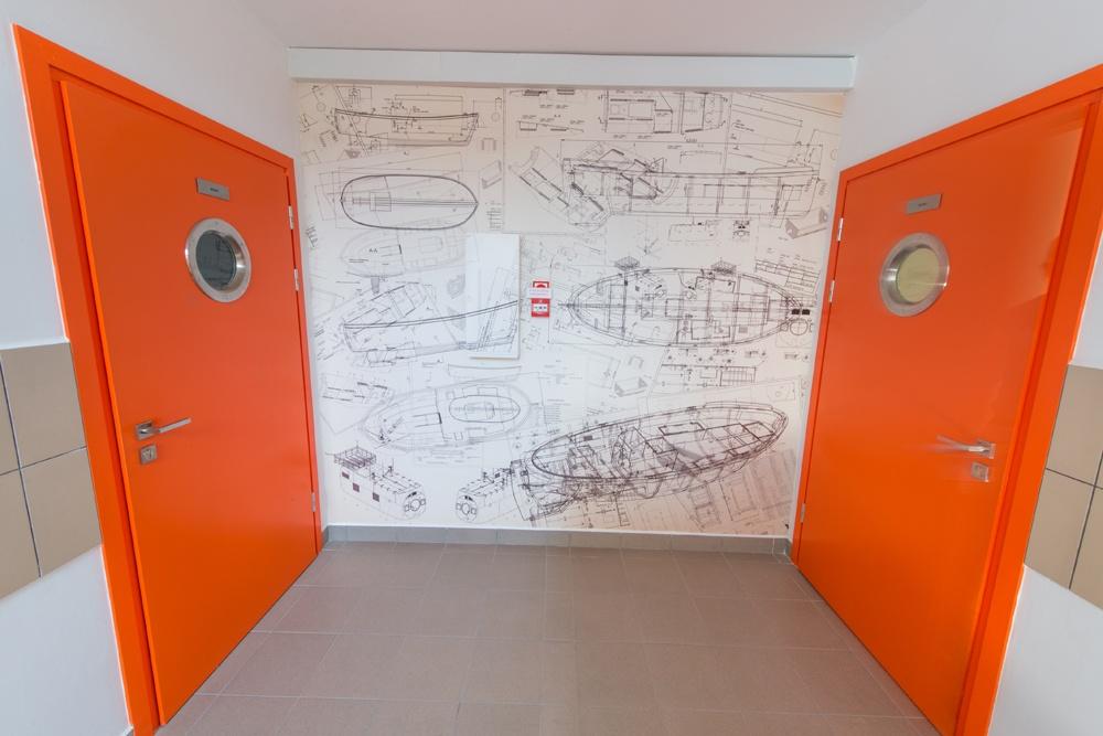 drzwi 1 - hala produkcyjna z częścią biurową, dla Markos, Słupsk, woj. pomorskie