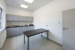 pomieszczenie socjalne - sortownia i przechowalnia owoców z częścią biurową, dla Gaik, Witalówka