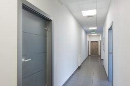 korytarz - hala produkcyjna z częścią socjalną, dla Marva International, Poznań, woj. wielkopolskie