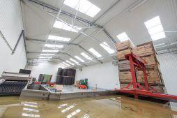 wnętrze hali 2 - sortownia i przechowalnia owoców z częścią biurową, dla Gaik, Witalówka