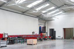 wnętrze hali 5 - sortownia i przechowalnia owoców z częścią biurową, dla Gaik, Witalówka