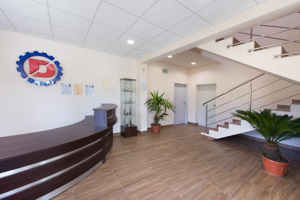 hol wejściowy - hala produkcyjna z częścią socjalno-biurową, dla Danmar, Łódź, woj. łódzkie