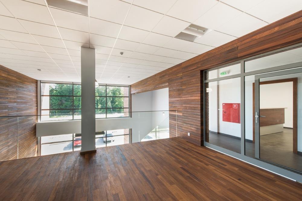 piętro nad holem wejściowym 1 - sortownia owoców z częścią biurową, dla Europejskie Centrum Owocowe, Rębowola