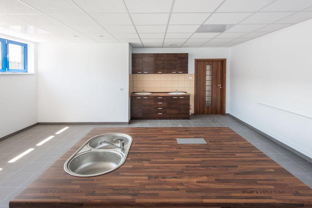 pomieszczenie socjalne - hala produkcyjna z budynkiem biurowym, dla Meblomaster, Węgrów, woj. mazowieckie