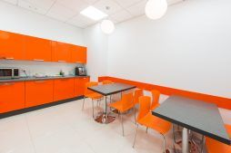 pomieszczenie socjalne - sortownia owoców z częścią biurową, dla Europejskie Centrum Owocowe, Rębowola