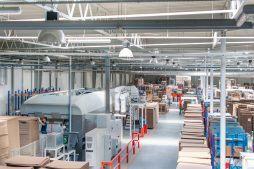 wnętrze hali 1 - hala produkcyjna z budynkiem biurowym, dla Uniservice, Skarbimierz, woj. Opolskie