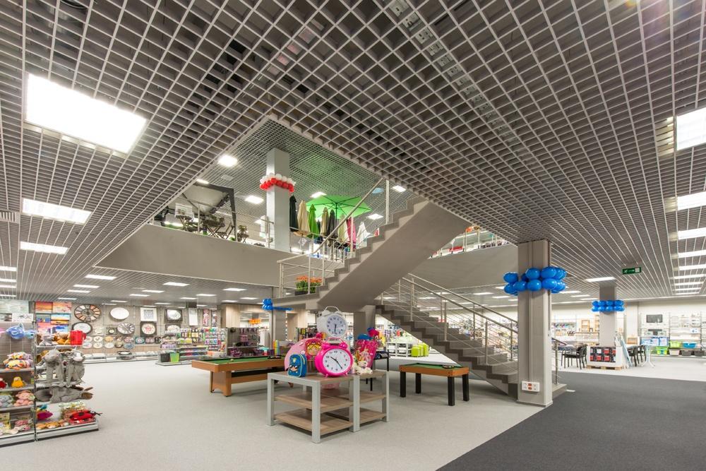 schody w pomieszczeniu handlowym 1 - hala handlowa, dla Koopman International, Komorniki, woj. wielkopolskie