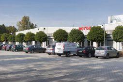 parking przed budynkiem 1 - hala produkcyjna, dla Rotox, Pokój, woj. opolskie