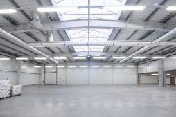 wnętrze hali 2 - hala produkcyjna z częścią socjalną, dla Marva International, Poznań, woj. wielkopolskie