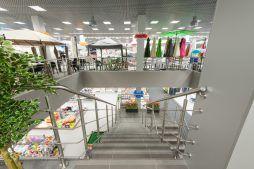 widok z drugiego poziomu - hala handlowa, dla Koopman International, Komorniki, woj. wielkopolskie