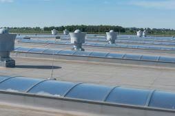 świetliki dachowe - sortownia owoców z częścią biurową, dla Europejskie Centrum Owocowe, Rębowola