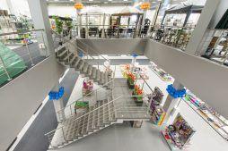 widok z drugiego poziomu 2 - hala handlowa, dla Koopman International, Komorniki, woj. wielkopolskie