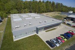 widok z lotu ptaka na całą inwestycję - hala produkcyjna, firma Van Den Block, Lublew Gdański