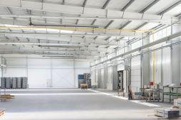 wnętrze hali 2 - hala produkcyjna z częścią biurową, dla Leann Stańczyk, Słupsk, woj. pomorskie