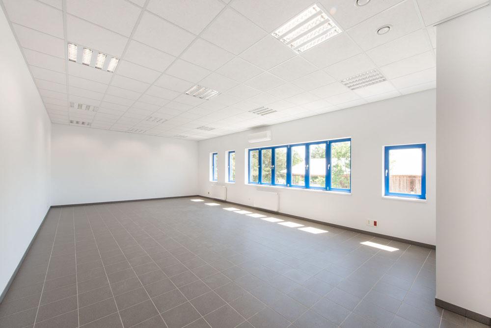pomieszczenie biurowe - hala produkcyjna z budynkiem biurowym, dla Meblomaster, Węgrów, woj. mazowieckie
