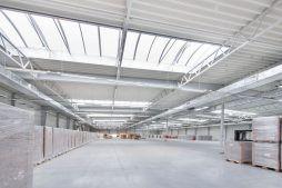 wnętrze hali 2 - hala produkcyjna z budynkiem biurowym, dla Meblomaster, Węgrów, woj. mazowieckie