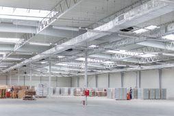 wnętrze hali 3 - hala produkcyjna z budynkiem biurowym, dla Meblomaster, Węgrów, woj. mazowieckie