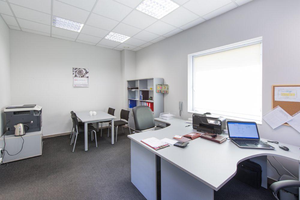 zaplecze biurowe - hala produkcyjna z częścią socjalno-biurową, dla Danmar, Łódź, woj. łódzkie