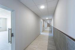 korytarz - hala produkcyjna z częścią biurową, dla Leann Stańczyk, Słupsk, woj. pomorskie