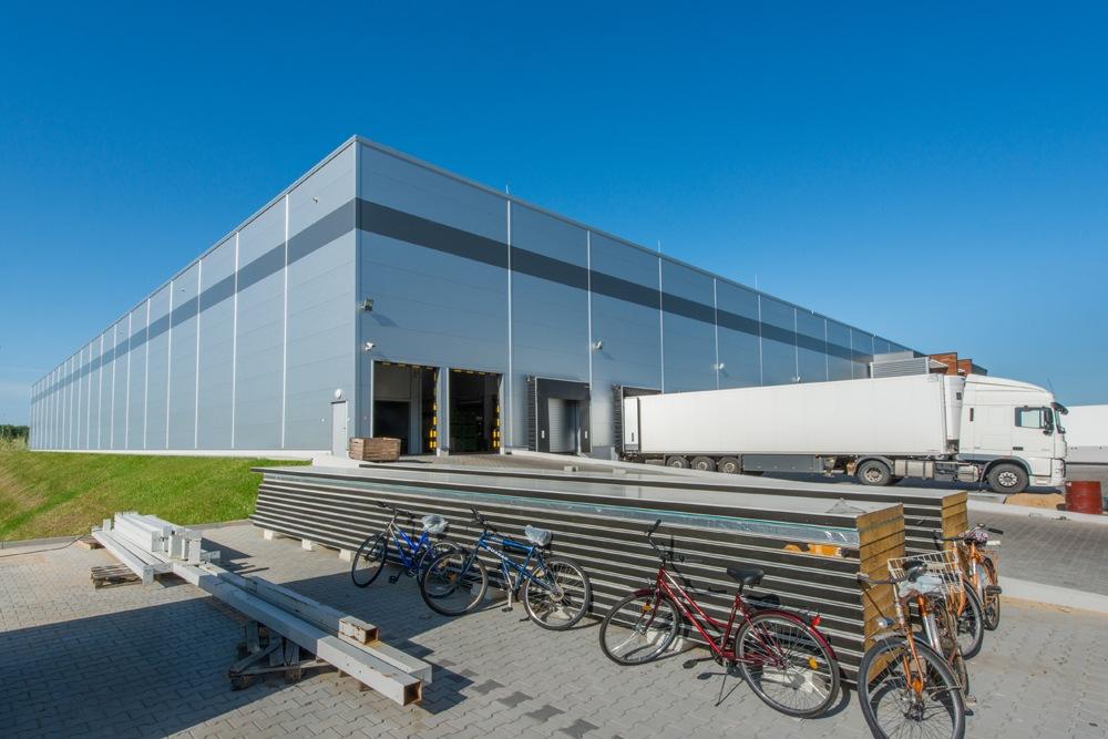 widok ogólny 2 - sortownia owoców z częścią biurową, dla Europejskie Centrum Owocowe, Rębowola