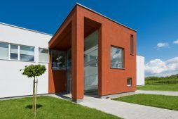 część wejściowa obiektu - hala produkcyjna z budynkiem biurowym, dla Uniservice, Skarbimierz