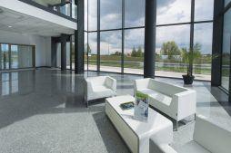 hol wejściowy - hala produkcyjna z budynkiem biurowym, dla Adams, Mrągowo, woj. warmińsko-mazurskie