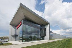 widok ogólny 2 - hala produkcyjna z budynkiem biurowym, dla Adams, Mrągowo, woj. warmińsko-mazurskie