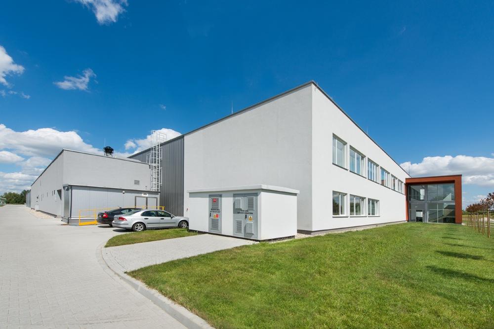 widok ogólny 3 - hala produkcyjna z budynkiem biurowym, dla Uniservice, Skarbimierz, woj. Opolskie