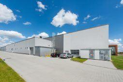 ściana boczna 1 - hala produkcyjna z budynkiem biurowym, dla Uniservice, Skarbimierz, woj. Opolskie