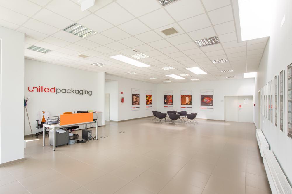 część biurowa - hala produkcyjna z budynkiem biurowym, dla Uniservice, Skarbimierz, woj. Opolskie