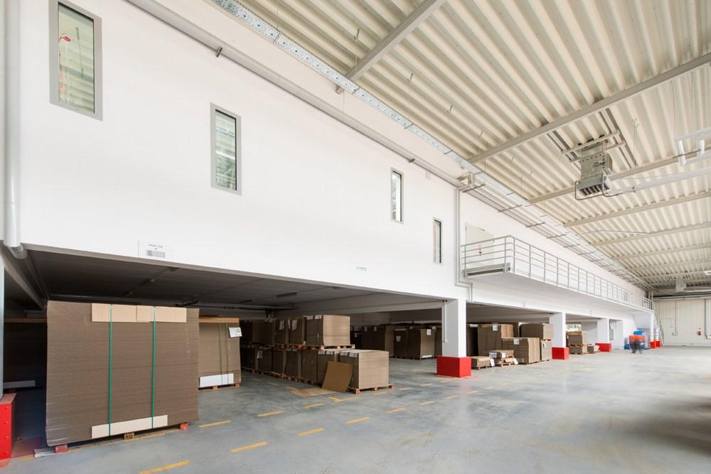 widok wnętrza 6 - hala produkcyjna z budynkiem biurowym, dla Uniservice, Skarbimierz, woj. Opolskie