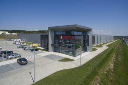 widok ogólny - hala produkcyjna z budynkiem biurowym, dla Adams, Mrągowo, woj. warmińsko-mazurskie