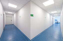 korytarz - hala produkcyjna z częścią biurową, dla GG Tech, Piątek, woj. łódzkie
