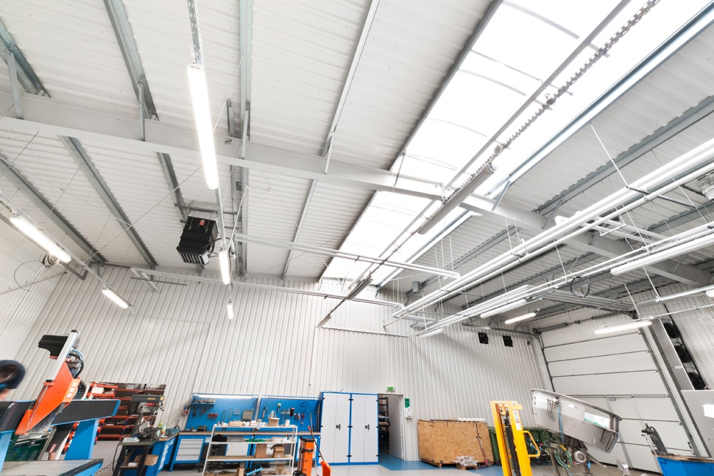 wnętrze hali 3 - hala produkcyjna z częścią biurową, dla GG Tech, Piątek, woj. łódzkie
