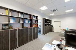 pomieszczenie biurowe - hala produkcyjna z częścią biurową, dla GG Tech, Piątek, woj. łódzkie