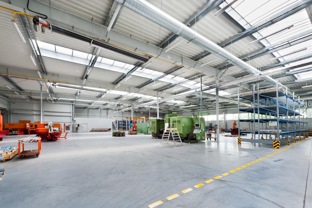 wnętrze hali - hala produkcyjna, dla Rollico Rolling Components, Lubliniec, woj. śląskie