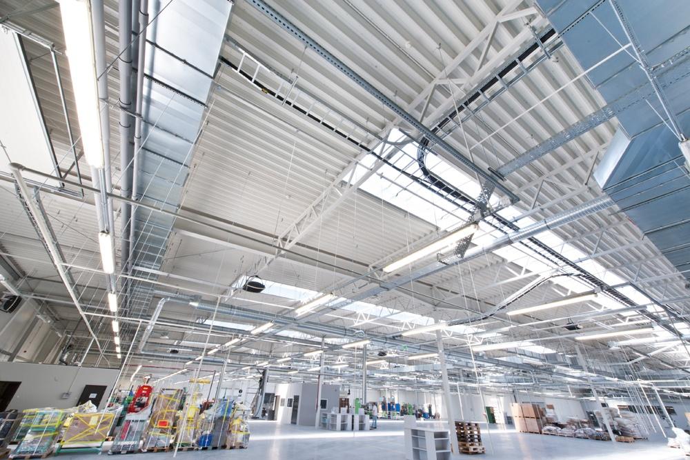 wnętrze hali stalowej 4 - hala magazynowa z budynkiem biurowym, dla Refleks, Białystok, woj. podlaskie