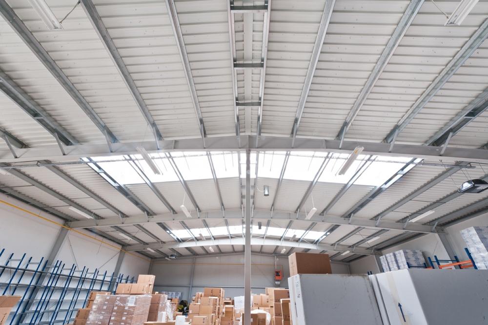 wnętrze hali 1 - hala produkcyjna z częścią biurową, dla BioMaxima, Lublin, woj. lubelskie