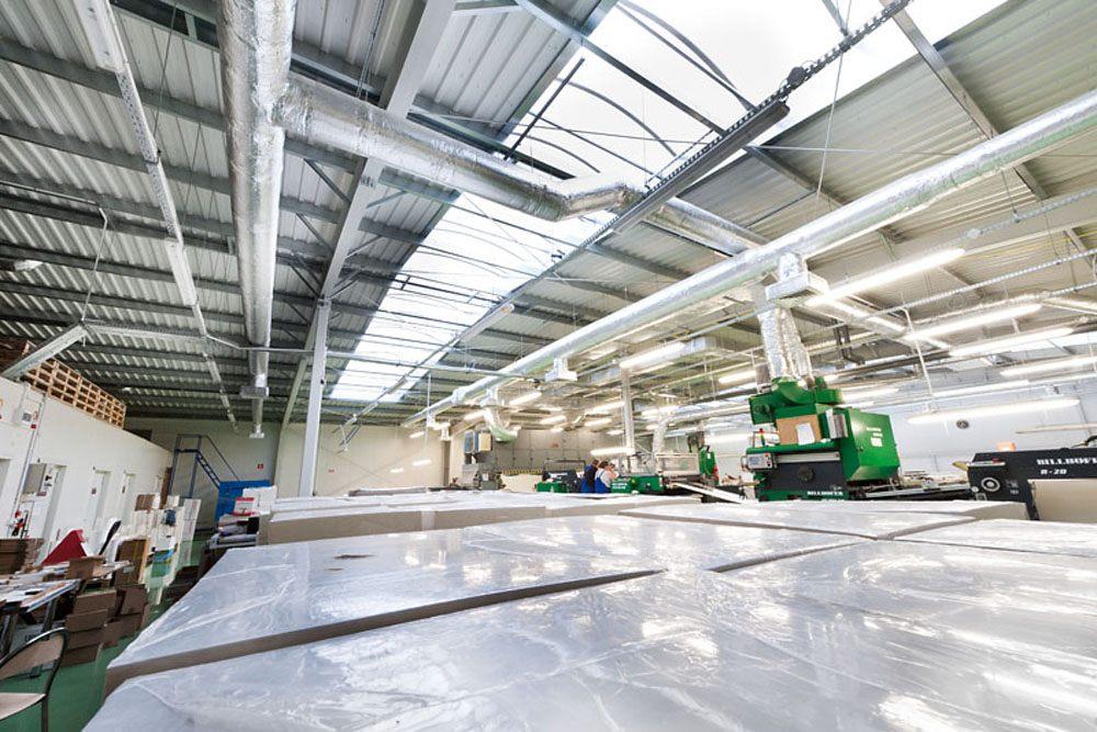 wnętrze hali 1 - hala produkcyjna z budynkiem biurowym, dla El-press, Lublin, woj. lubelskie