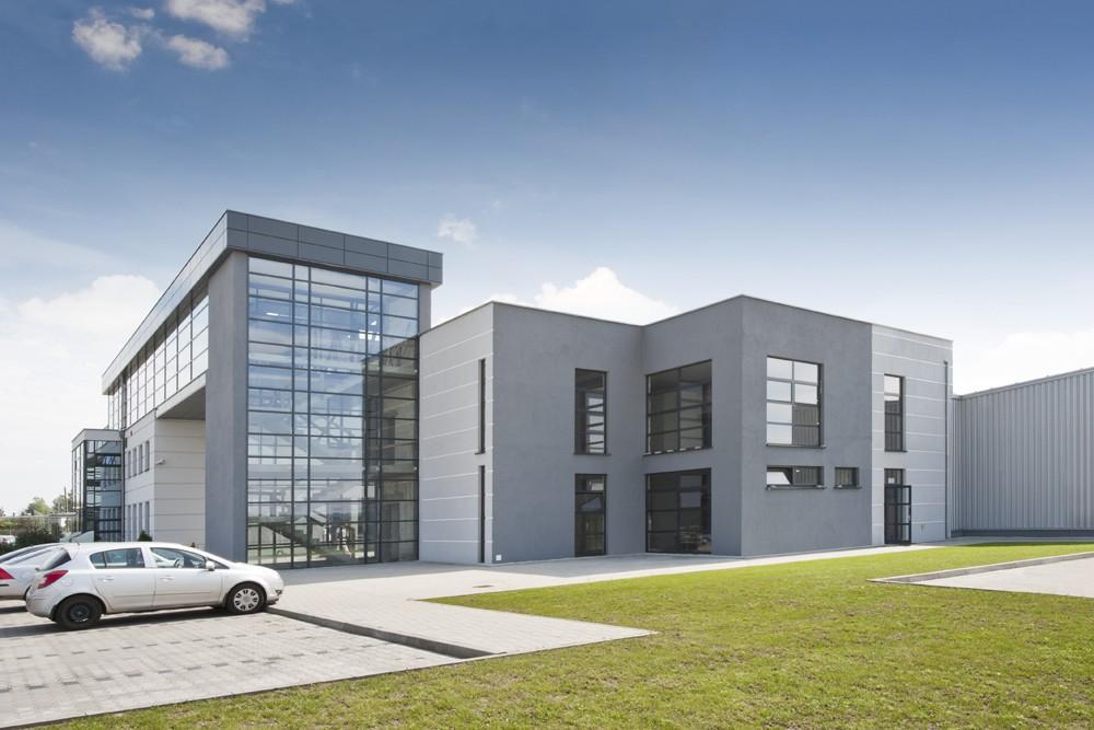 elewacja boczna 1 - hala produkcyjna z budynkiem biurowym, dla Eurocolor, Pyskowice, woj. śląskie