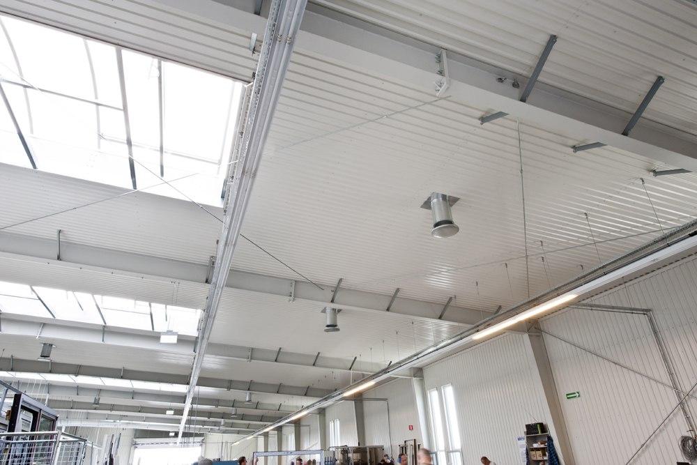 konstrukcja blachownicowa - hala produkcyjna z budynkiem biurowym, dla Eurocolor, Pyskowice, woj. śląskie