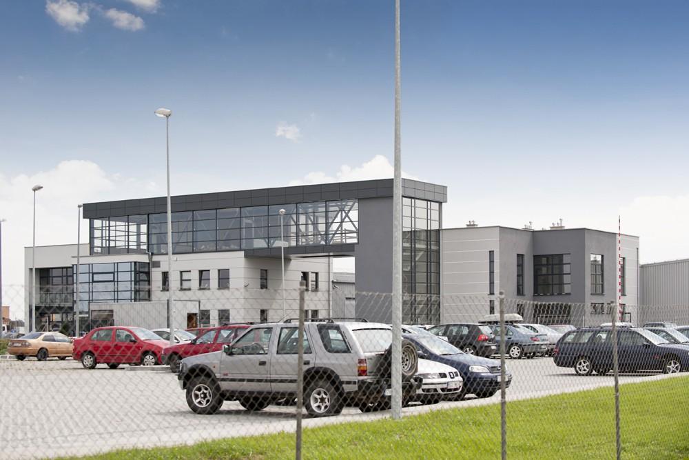 widok ogólny 5 - hala produkcyjna z budynkiem biurowym, dla Eurocolor, Pyskowice, woj. śląskie