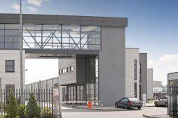 łącznik między budynkami 2 - hala produkcyjna z budynkiem biurowym, dla Eurocolor, Pyskowice, woj. śląskie