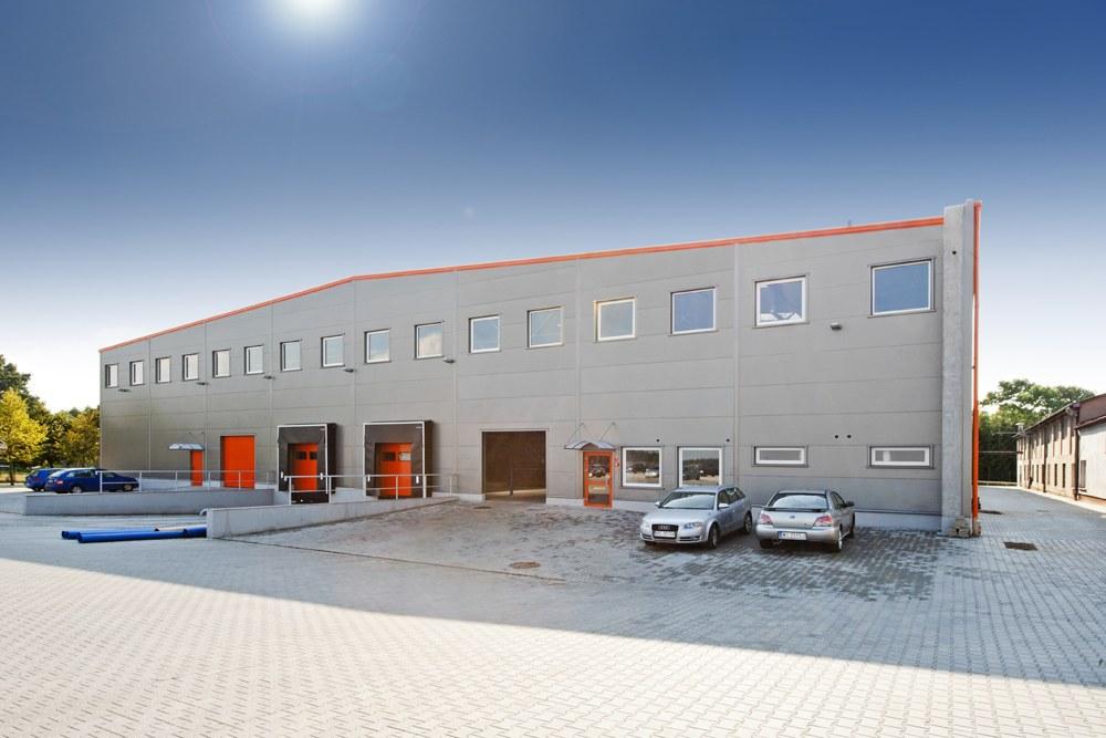 ściana frontowa 1 - hala produkcyjno-magazynowa, dla Mardom, Lipniki Stare, woj. mazowieckie
