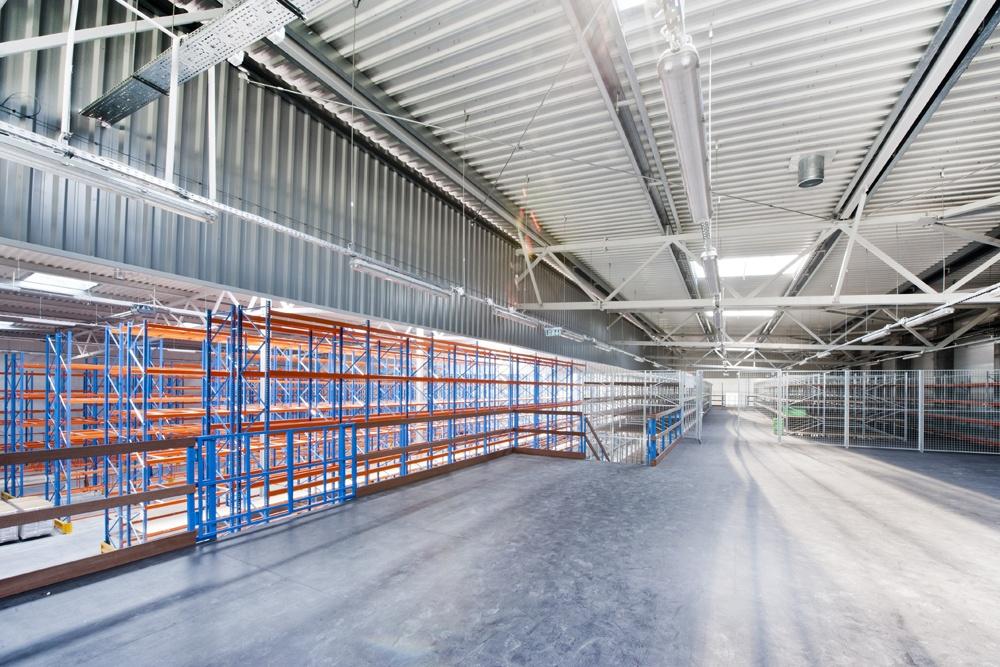 wnętrze hali 2 - hala produkcyjno-magazynowa, dla Mardom, Lipniki Stare, woj. mazowieckie