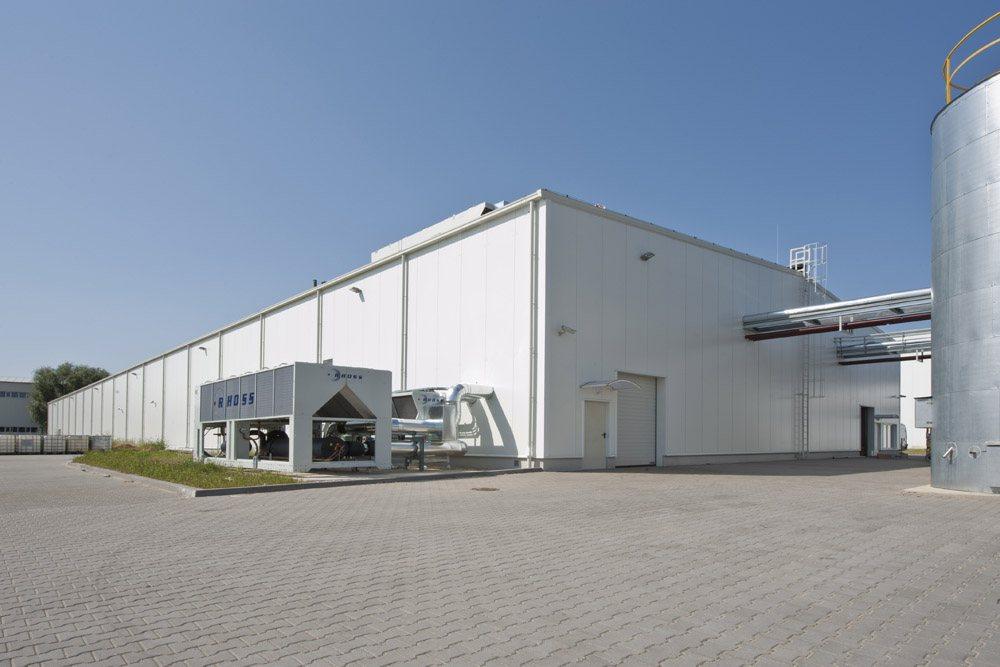 widok ogólny - hala produkcyjna z zapleczem biurowym, dla Korona SA, Wieluń, woj. łódzkie