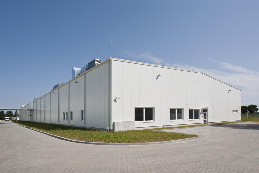 widok ogólny 3 - hala produkcyjna z zapleczem biurowym, dla Korona SA, Wieluń, woj. łódzkie
