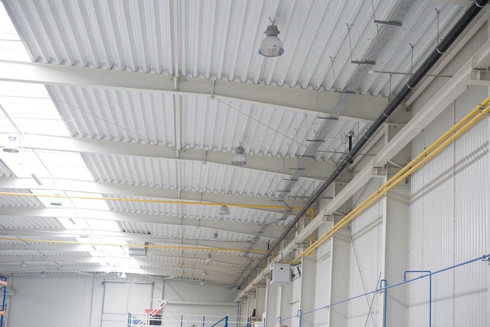 profile zimnogięte 1 - hala produkcyjna z budynkiem biurowym, dla Blyweert Aluminium, Czosnów, woj. mazowieckie