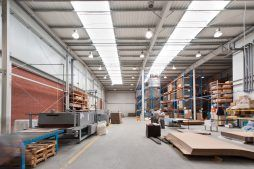 wnętrze hali 1 - hala produkcyjno-magazynowa z częścią biurową, dla 2x3, Krzęcin, woj. zachodniopomorskie